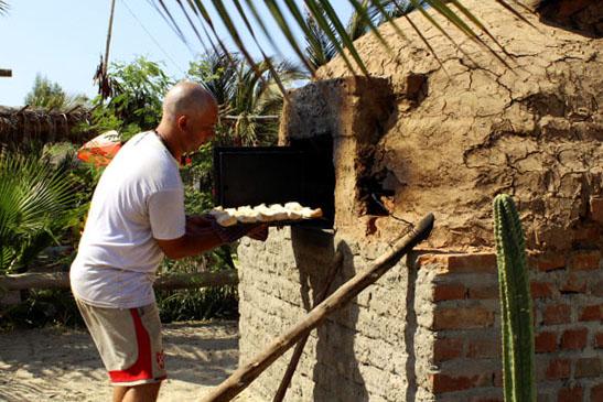 Horno de barro en el Camping de Tito
