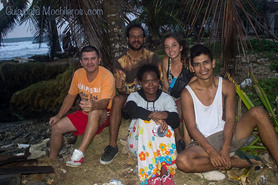 Mochileros con cubanos