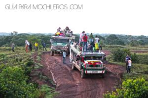 Chiva para viajar por Colombia