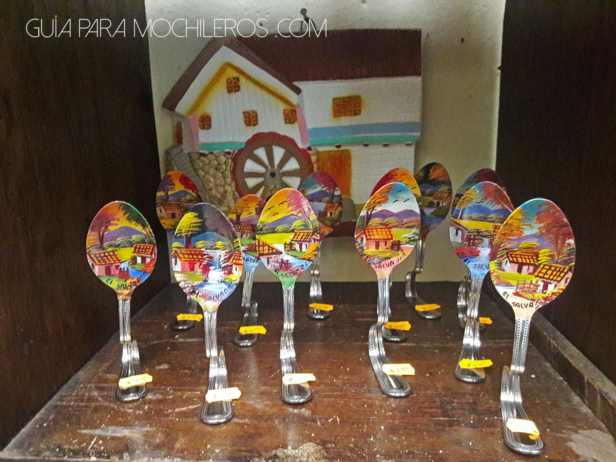 artesania-salvador-cucharas-pintadas