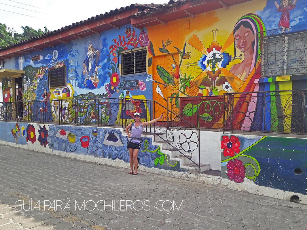 casas-de-colores-en-la-ruta-de-las-flores-salvador