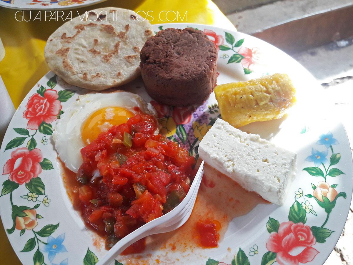 desayuno-salvadoren%cc%83o