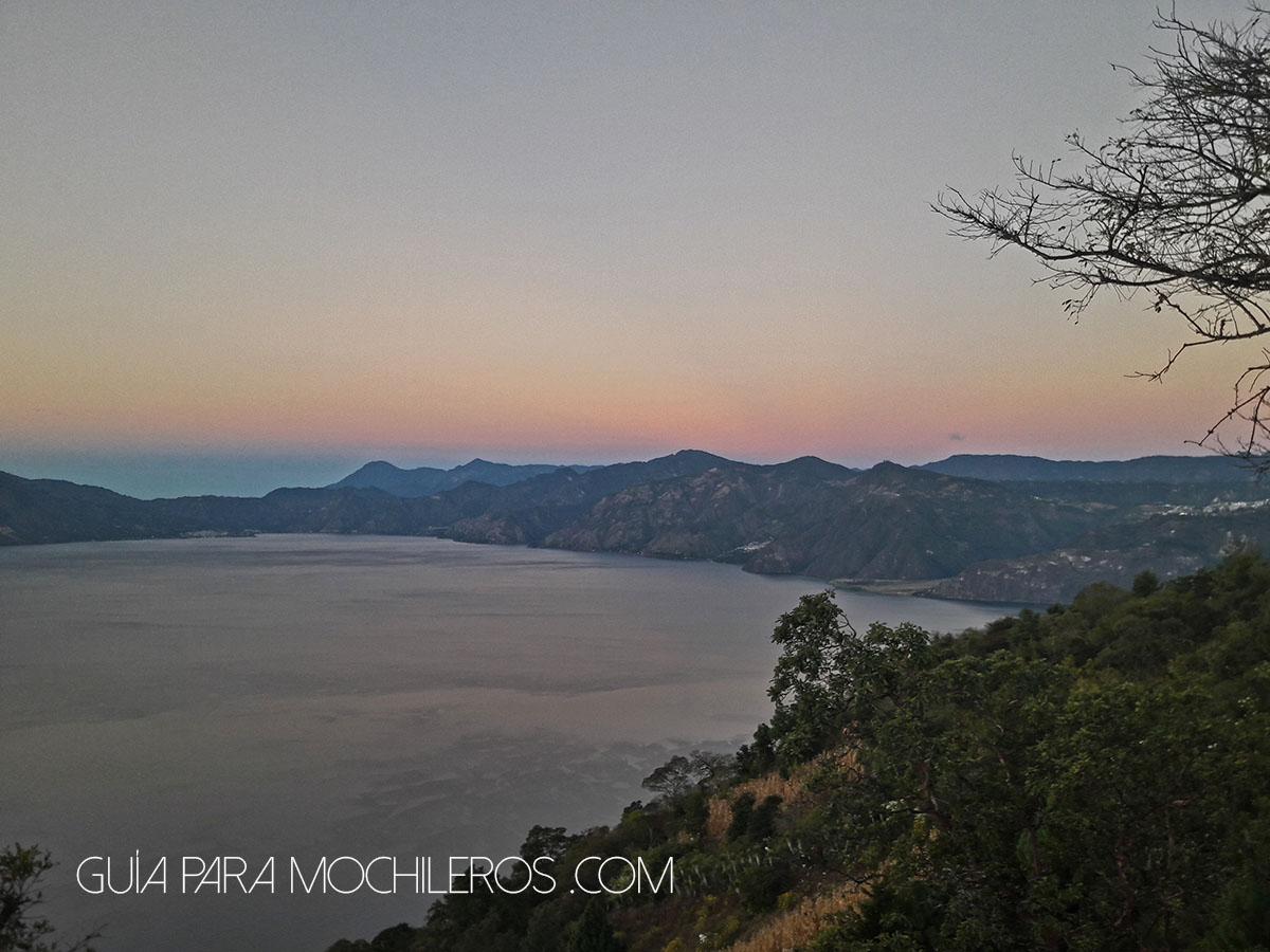 Amanecer en el Lago Atitlán