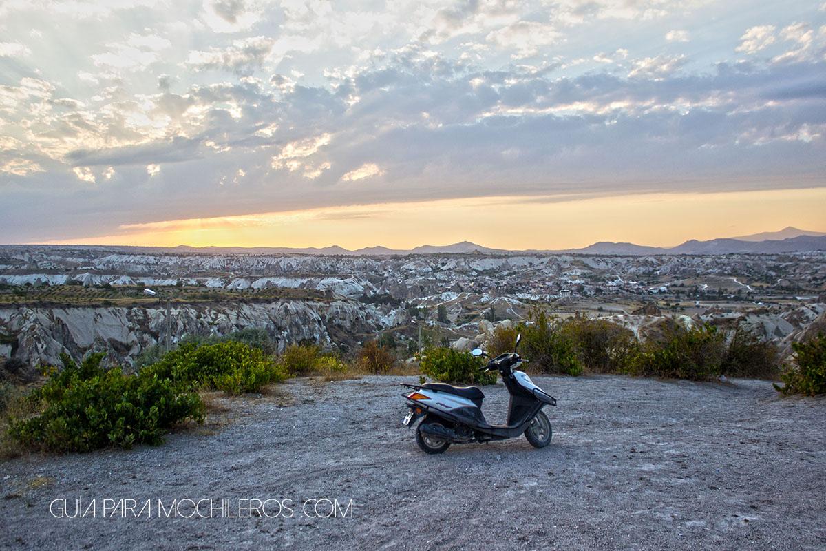 Scooter en Capadocia