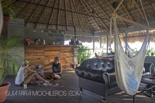 Puerto dreams Hostel terraza