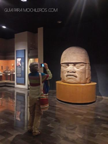Gran cabeza escultura
